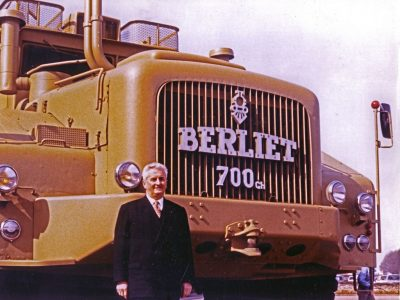 RENAULT TRUCKS SHOWCASES THE LEGENDARY BERLIET T100