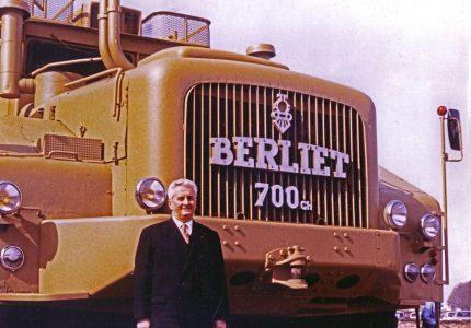 RENAULT TRUCKS SHOWCASES THE LEGENDARY BERLIET T100